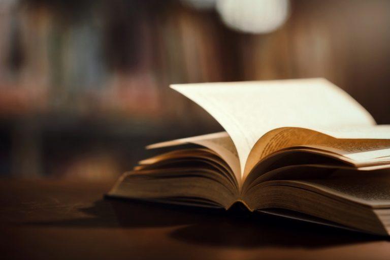 Ein Buch im Seniorenheim in Müllrose